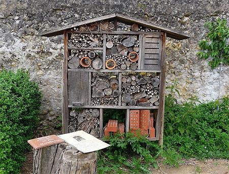 Essai de fabriquation d 39 une petite maison pour insecte - Cabane a insectes ...