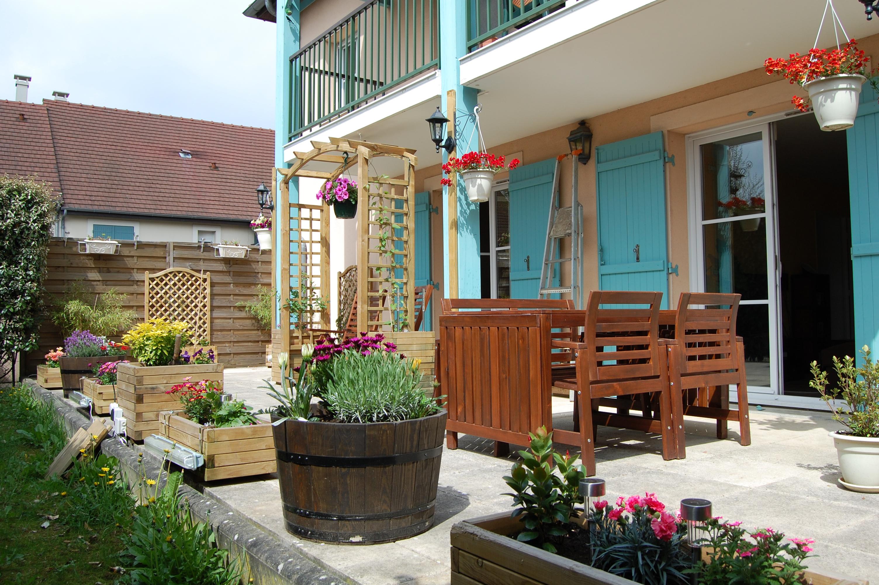 vos balcons terrasses et autres petits espaces verdoyants au jardin forum de jardinage. Black Bedroom Furniture Sets. Home Design Ideas
